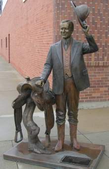 coolidge-statue-in-rapid-city-ia