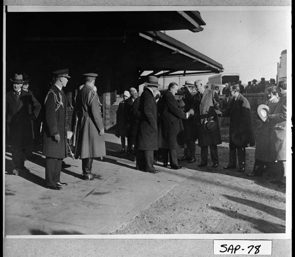 President and Mrs. Coolidge arrive at the train station in Brunswick, Georgia, before heading out to Sapelo Island.