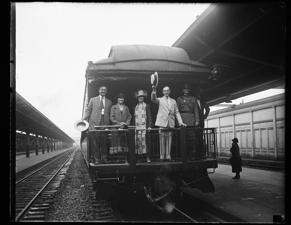 45058v caboose of train 1925