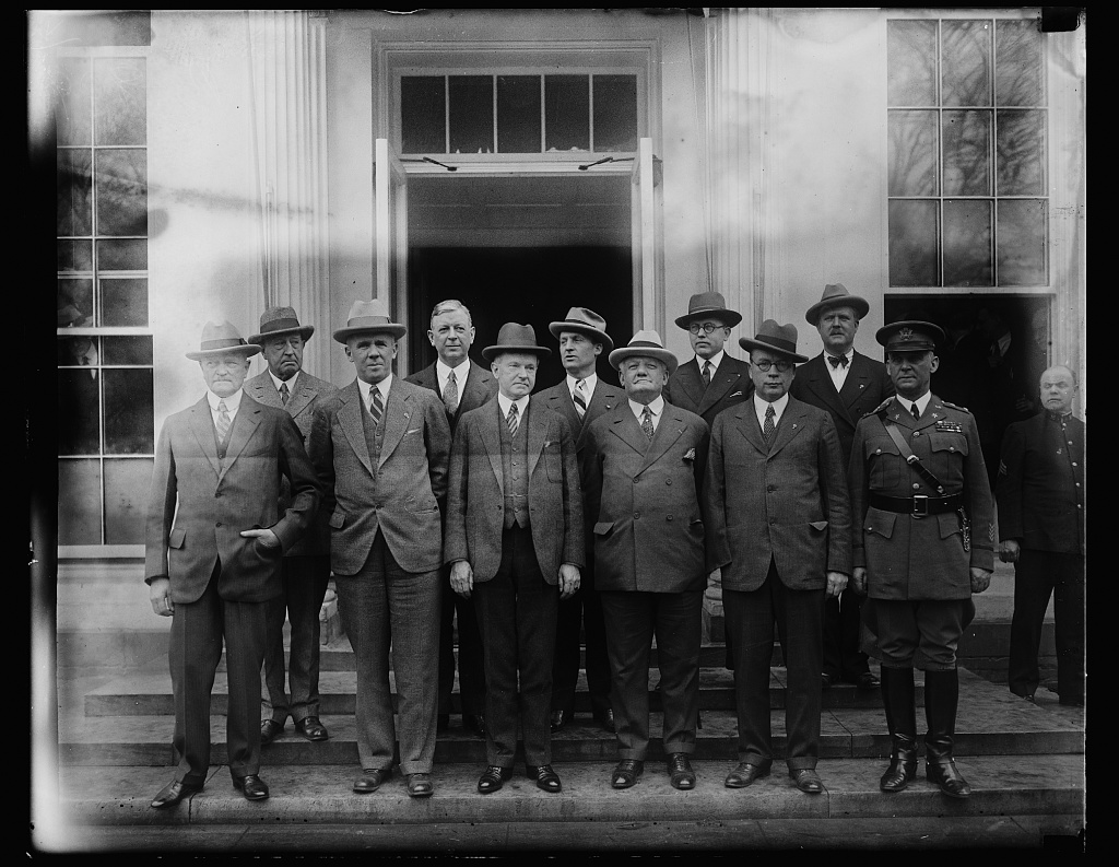 Coolidge meets with military leadership at the White House, 1927