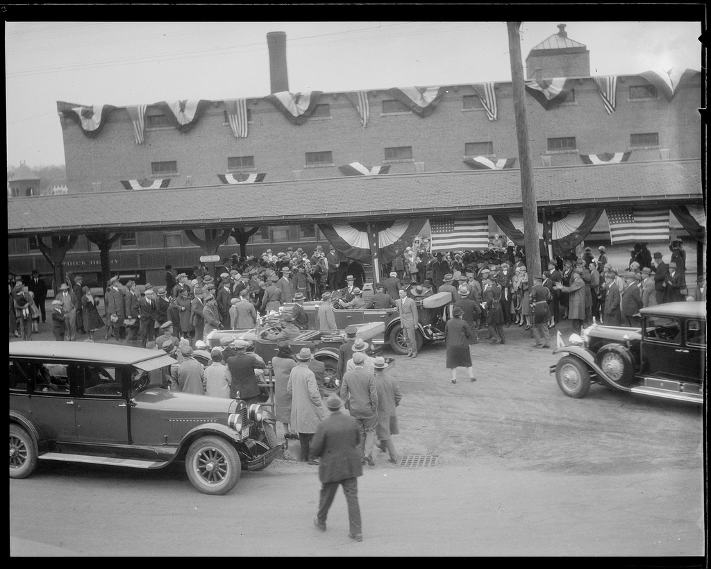Celebrations at Andover as the Coolidges arrive, May 19, 1928