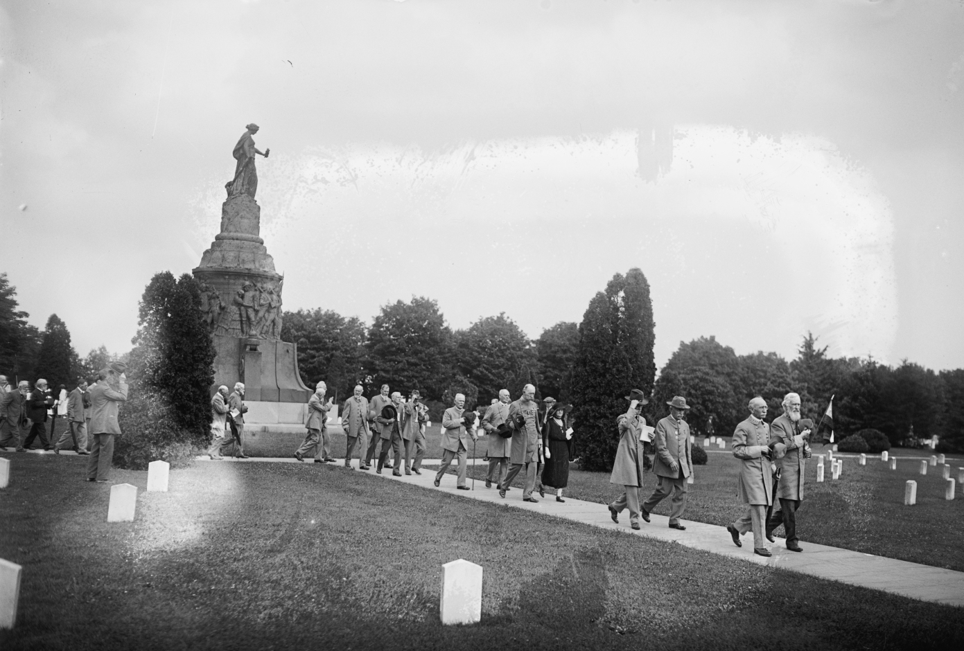 The Confederate Memorial at Arlington in 1922, two years before President Coolidge spoke the words above. In the years to follow, the markers of those who wore the gray would multiply as the great heroes and warriors of the South shed mortality.