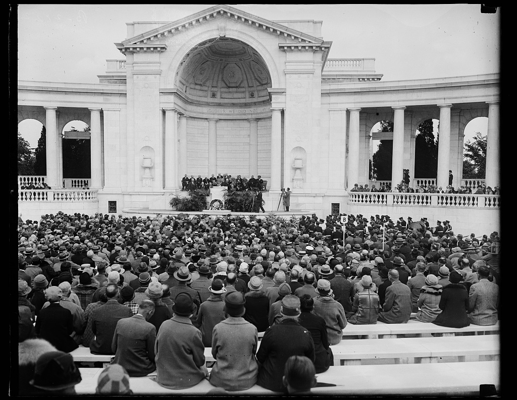 Medical professionals gathered in Washington for the 1927 AMA Session gather here to honor the 500 doctors who died while at their work during World War I, May 17, 1927.