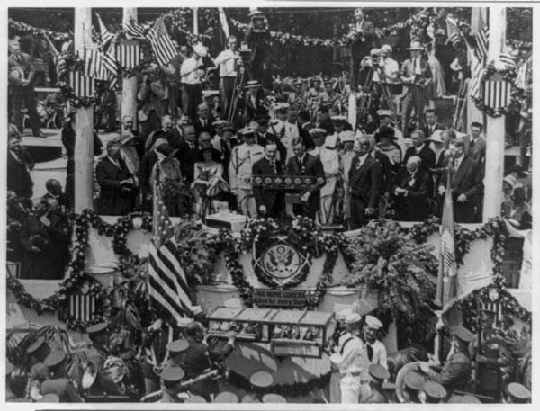 Lindbergh-and-Coolidge,-1927