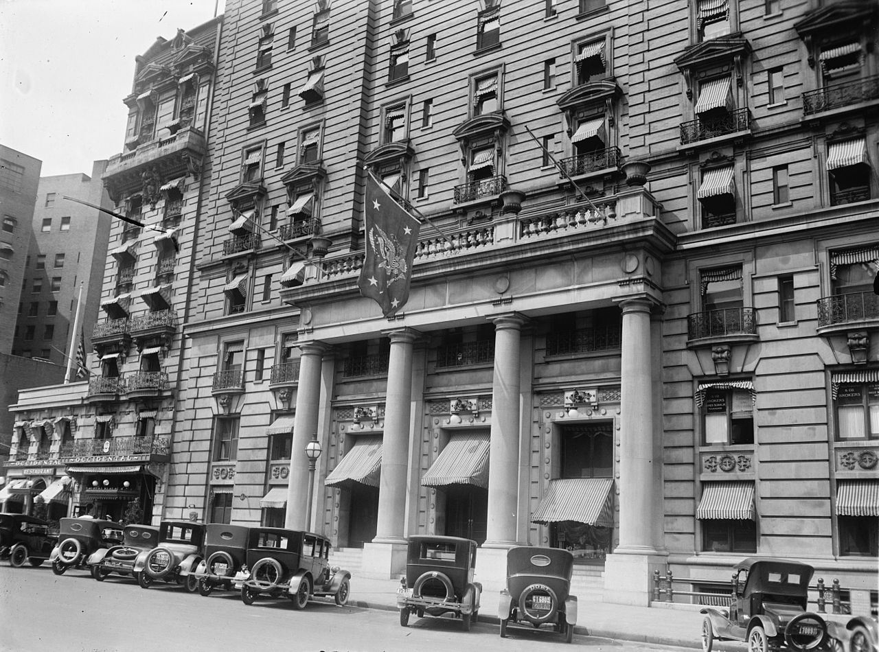 A view of the Willard Hotel during the 1920s. Note the flag out front identifies that the President is staying there.
