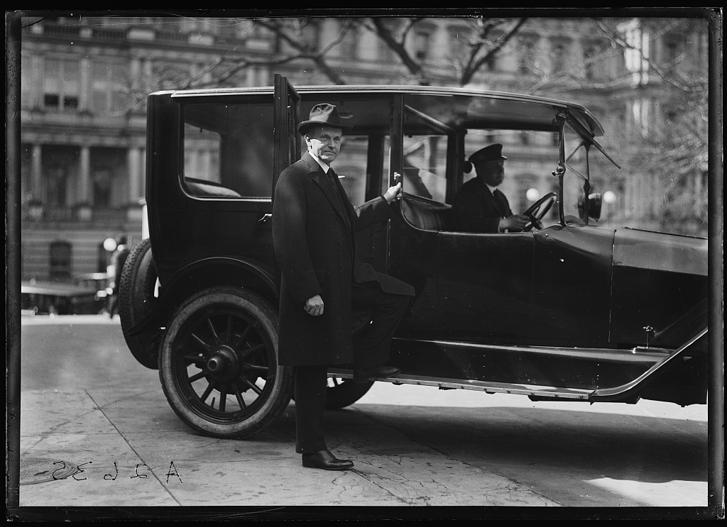 President Coolidge at the State, War and Navy Department offices, Washington. Courtesy of the Library of Congress.