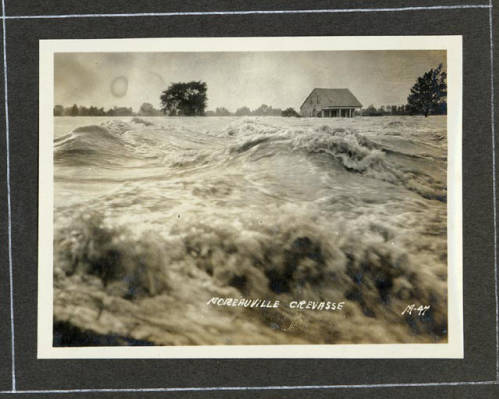 Flood waters in Moreauville, Louisiana. Courtesy of the LSU Special Collections Archive.
