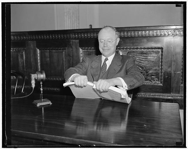 Senator Taft tearing apart the 1940 Budget.