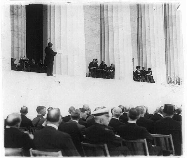 Dr. Moton delivering the keynote address at the Lincoln Memorial dedication, May 30, 1922.