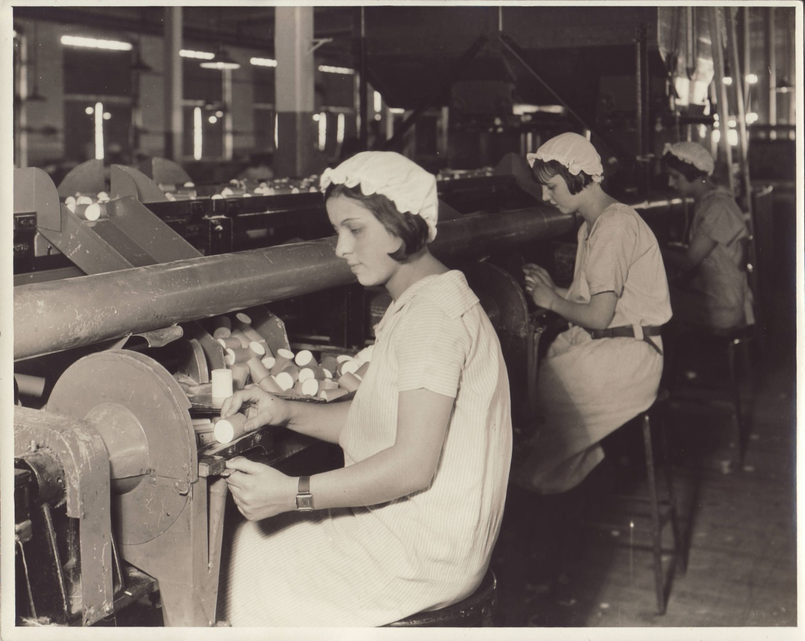 American women at work in a mill, late 1920s.