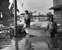 Flooded_Greenville__Mississippi__1927