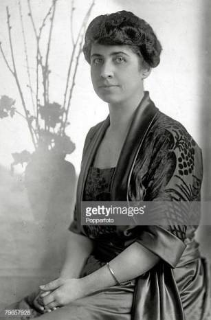 Politics, Personalities, USA, pic: circa 1925, Mrs Grace Coolidge, the First Lady to Calvin Coolidge, Calvin Coolidge (1872-1933) became the 30th President of the United States 1923-1929 (Photo by Popperfoto/Getty Images)