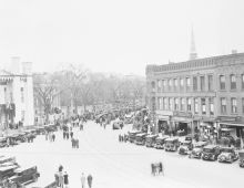 The procession advances into downtown Northampton on its way north to Plymouth Notch. Credit: Coolidge Presidential Foundation.