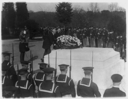 President-Coolidge-at-Tomb-of-Unknown-Soldier-1923