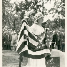GC-holding-unveiling-flag-ColvillMemorial-CannonFallsMN-7-30-1928