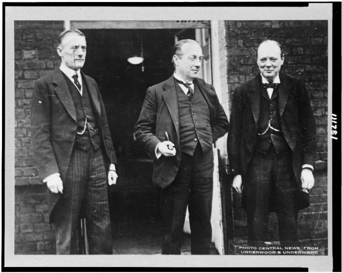 standing-left-to-right-mr-austen-chamberlain-premier-stanley-baldwin-and-sir-1024