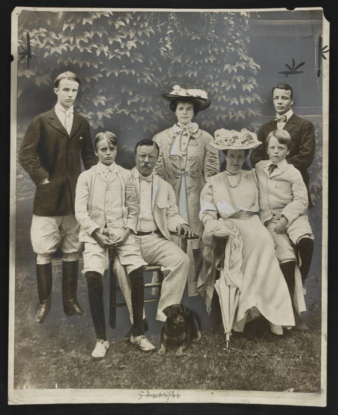 TR-family-1907