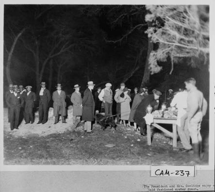 Cabin_Bluff_19271928_President_and_Mrs_Coolidge_at_oyster_roast