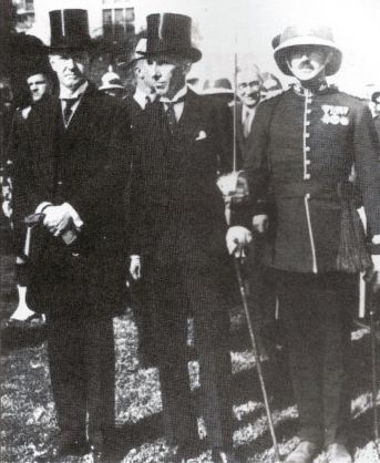 President Coolidge with Canadian envoy Vincent Massey and Guard Commander M. K. Greene. Photo credit: Photo Library and Archives Canada.