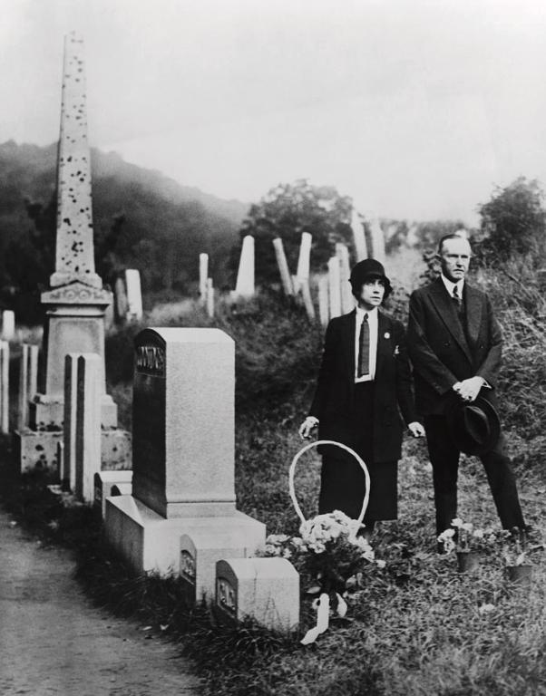 CalJr-grave1928