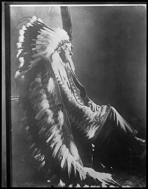 CC-headdress-seated