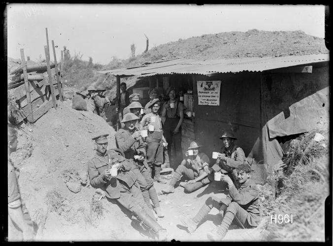 Soldiers_at_a_roadside_YMCA_canteen_near_the_Front,_World_War_I