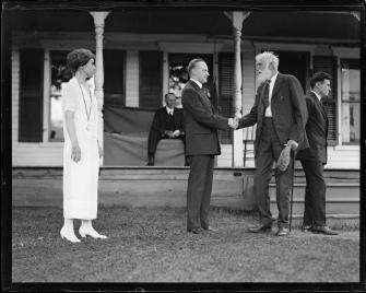 6208537332_d62fe09c30_b Coolidges meeting Civil War vet 8-1924